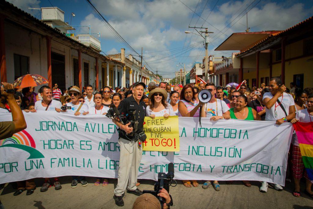 John Alpert y Mariela Castro durante la grabación del documental Mariela Castro's March: Cuba's LGBT Revolution