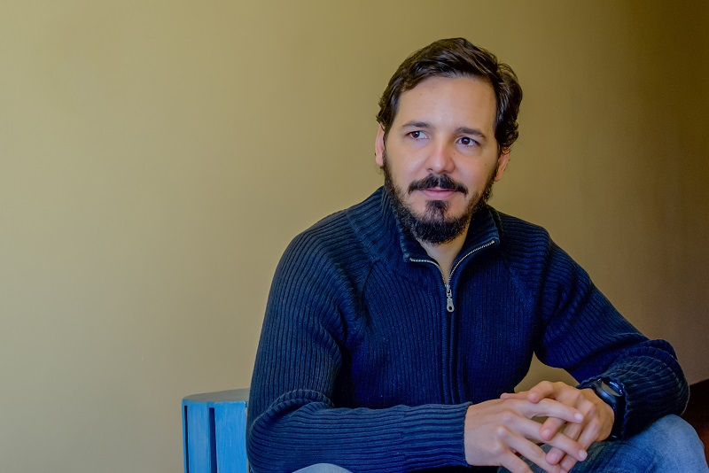 Amílcar Pérez Riverol,micro-biólogo y escritor cubano residente en Brasil.