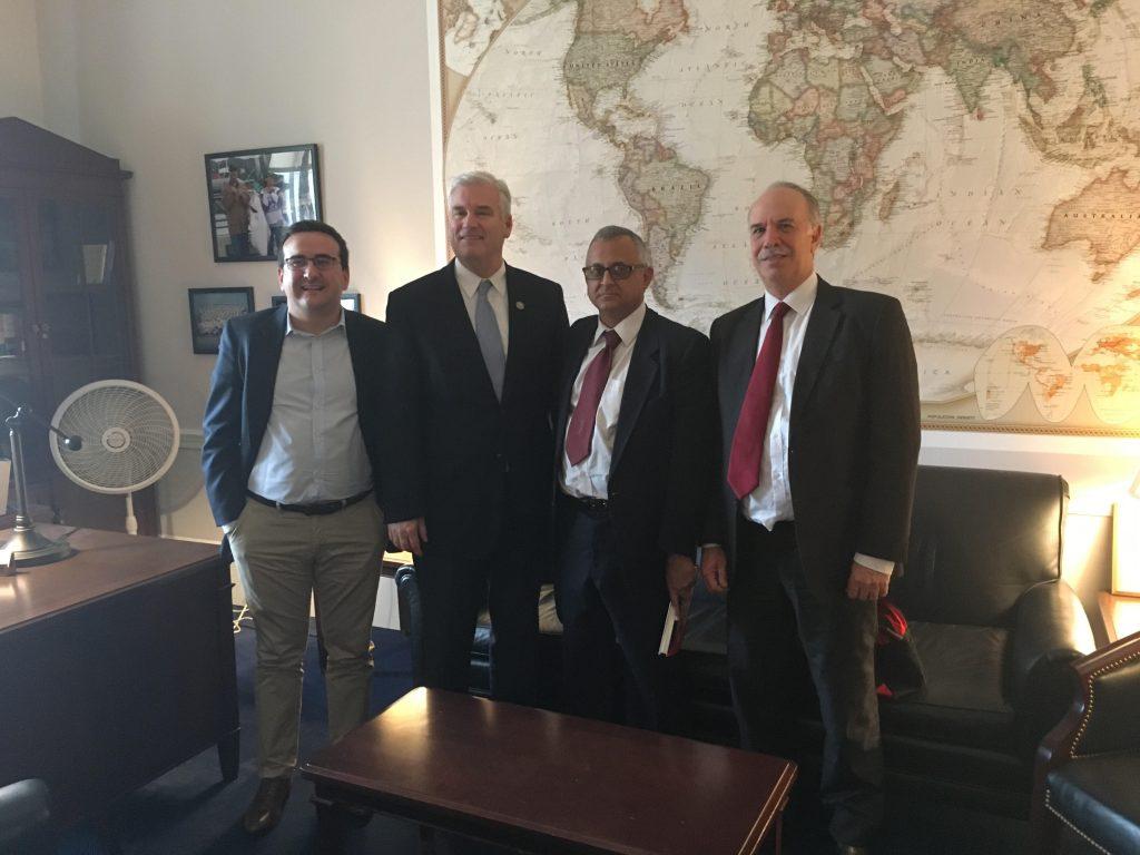 Encuentro con el representante Tom Emmer (R-Minnesota), en la sede del Congreso.