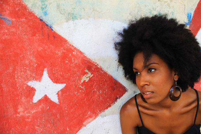 El dossier es una oportunidad de dar a conocer lo que piensa una pequeña representación de mujeres negras intelectuales nacidas en Cuba entre 1973 y 1985.